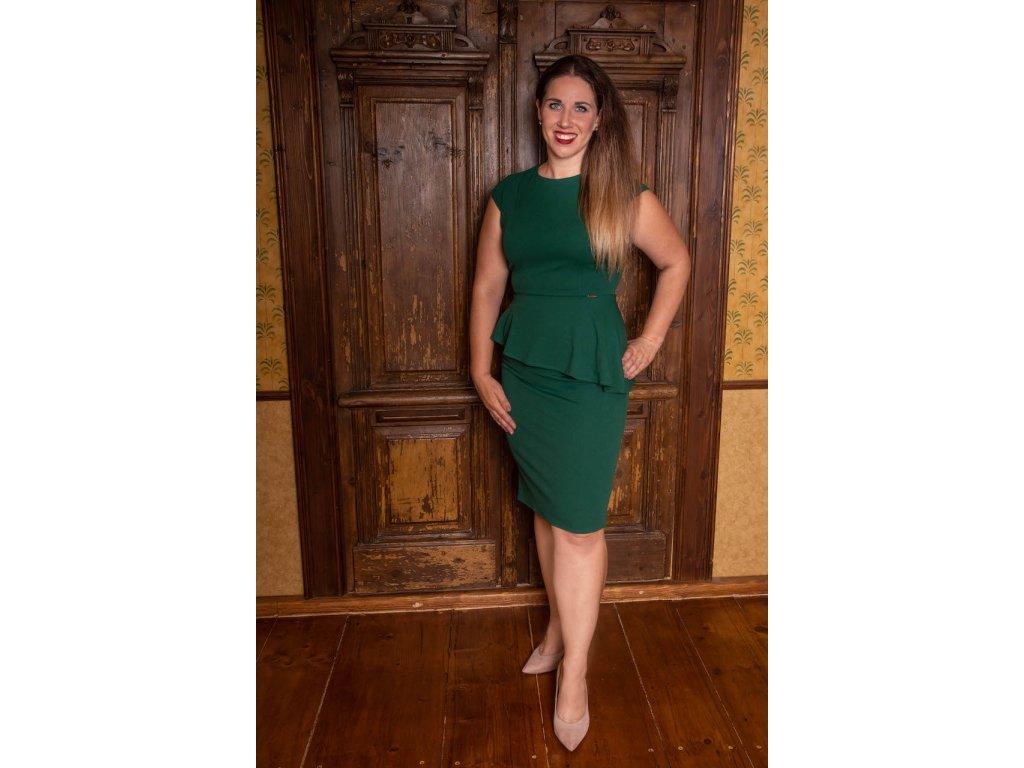 Zelené šaty s volánkem