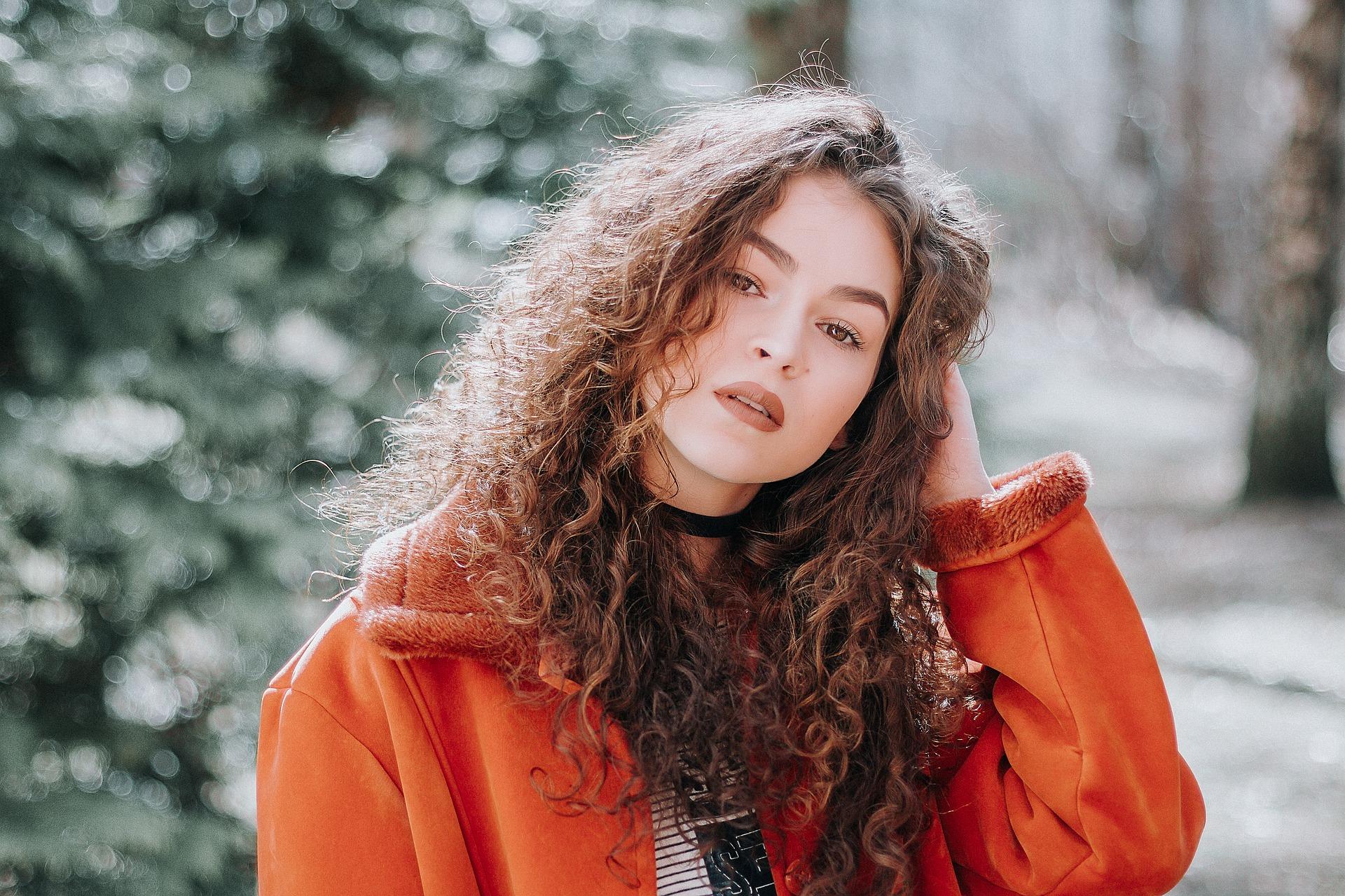Vlasové trápení: Nezkrotné kudrny