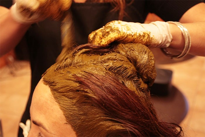 Podrobný video návod - barvení hennou