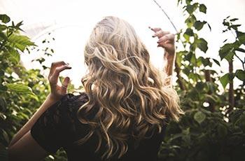 6 nesmyslů, které můžete slyšet odélce a kvalitě vlasů