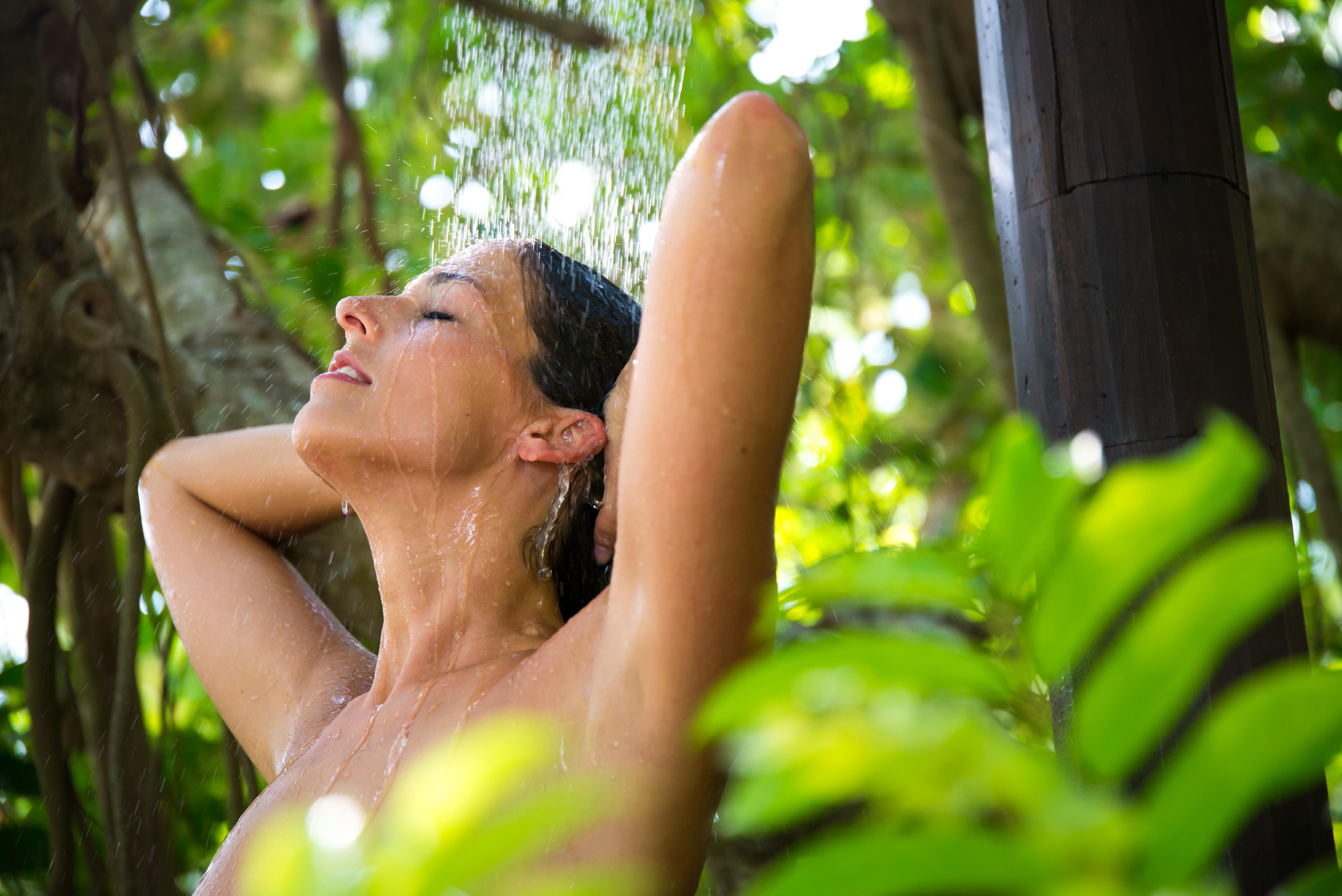 Jak a proč začít s NO POO metodou mytí vlasů