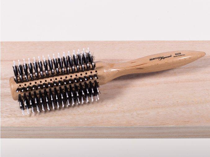 Kulatý kartáč k foukání vlasů