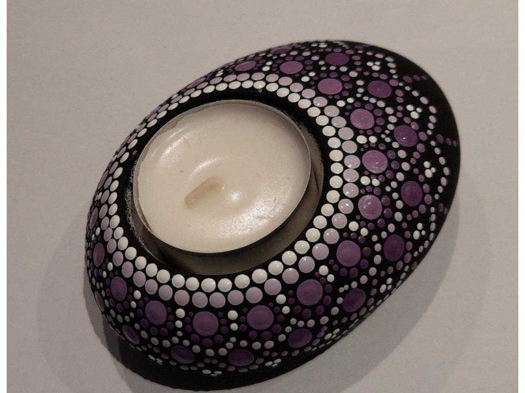 Malovaný kámen - svícen - fialový