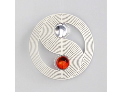 ying yang spirala s kristalovymi kapkami