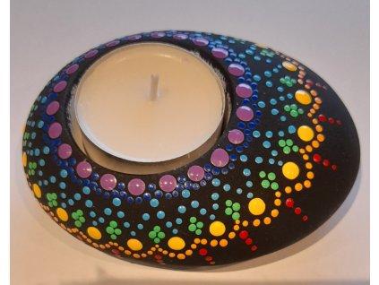 Malovaný kámen - svícen - čakrový