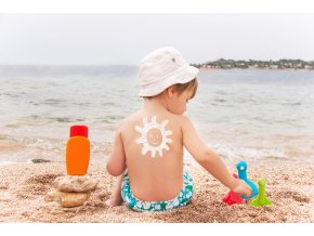 shutterstock 193333844 sunscreen