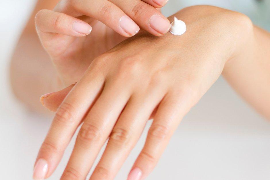Jak pečovat o pokožku rukou v koronavirovém podzimním období?