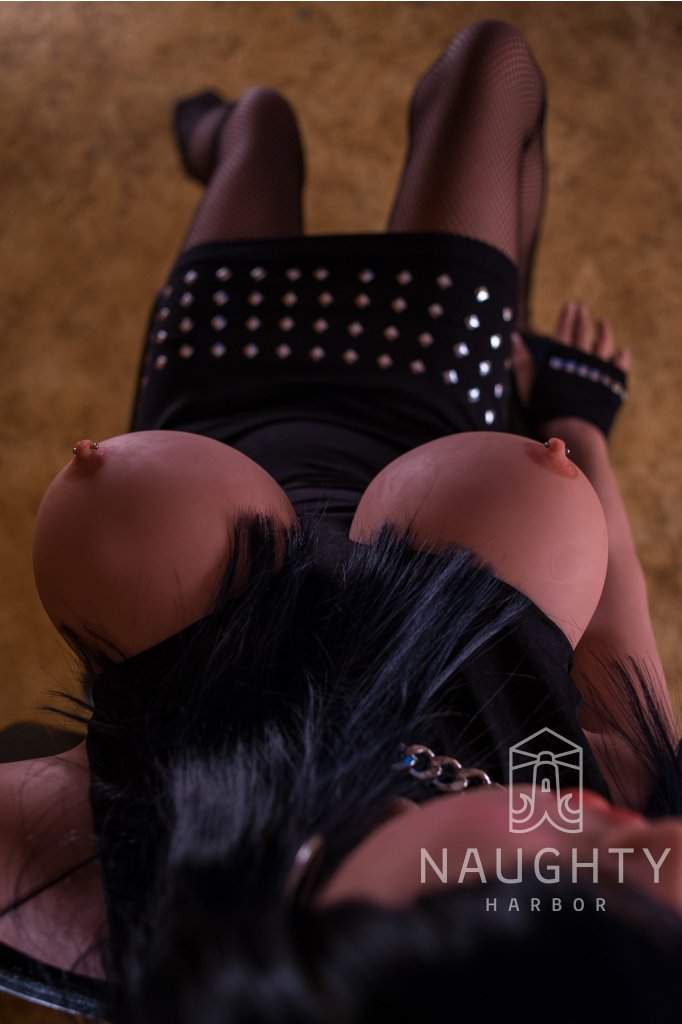 Love Doll Black-haired Niky 5ft 1' (155 cm)