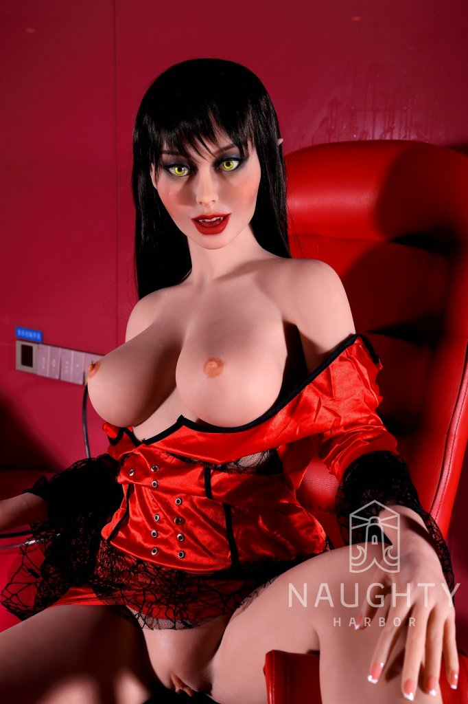 Sexy Doll Vampire Leah 4ft 10' (148 cm)/ F-Cup