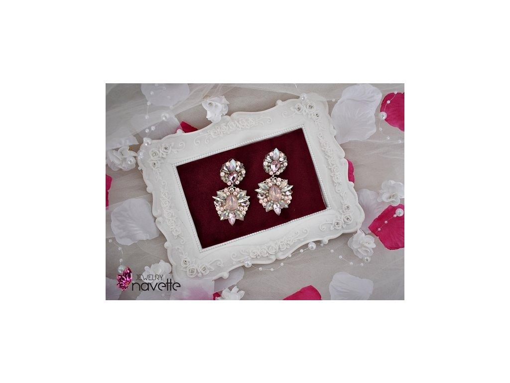 jemná ružová