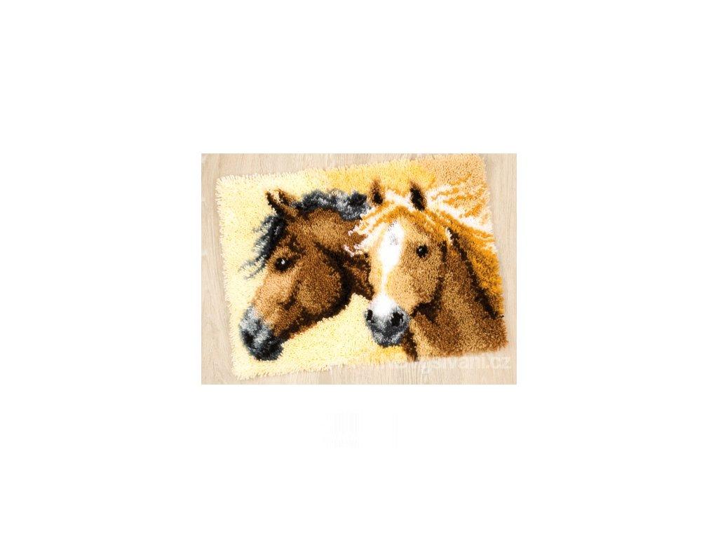 VE-PN0144834 Koně (tapico)