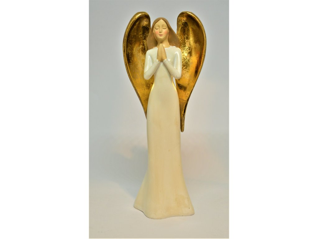 Andělíček se zlatými křídly