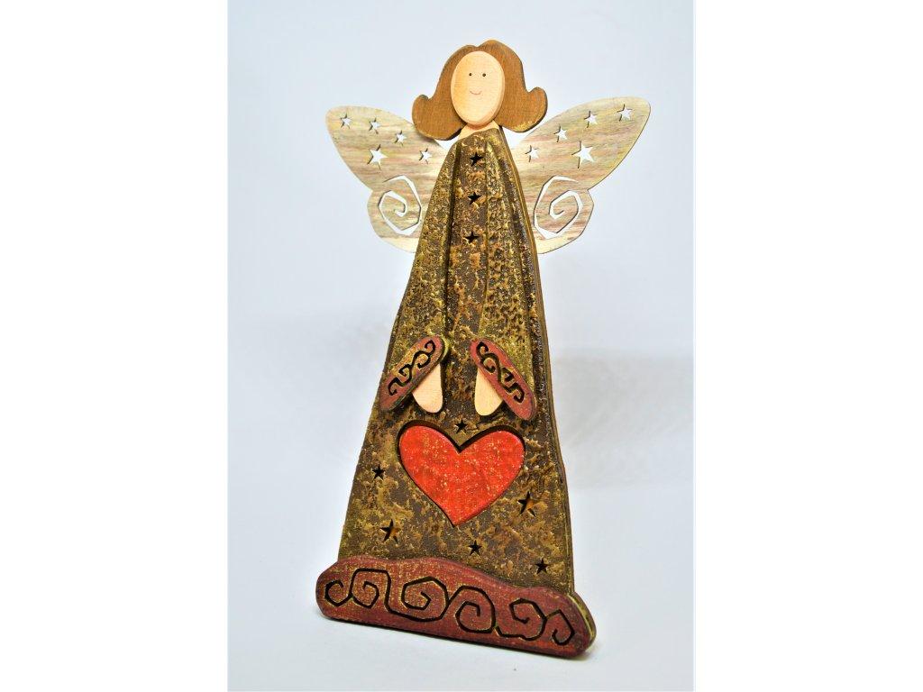Dřevěný anděl na postavení