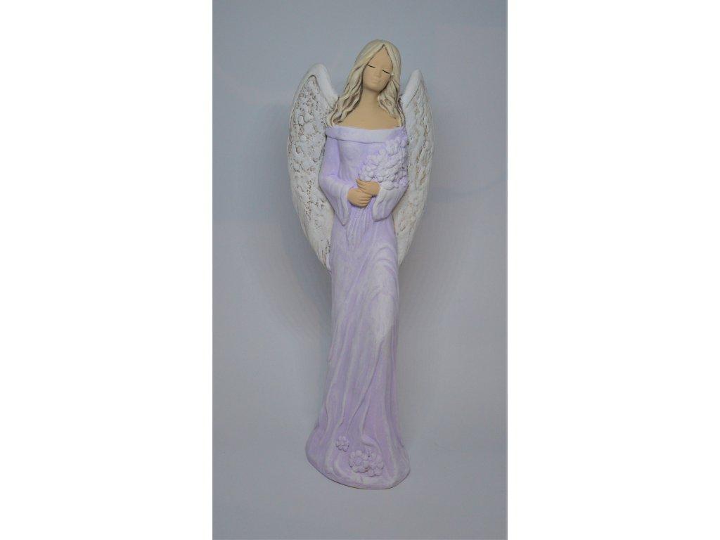Fialový anděl ze sádry