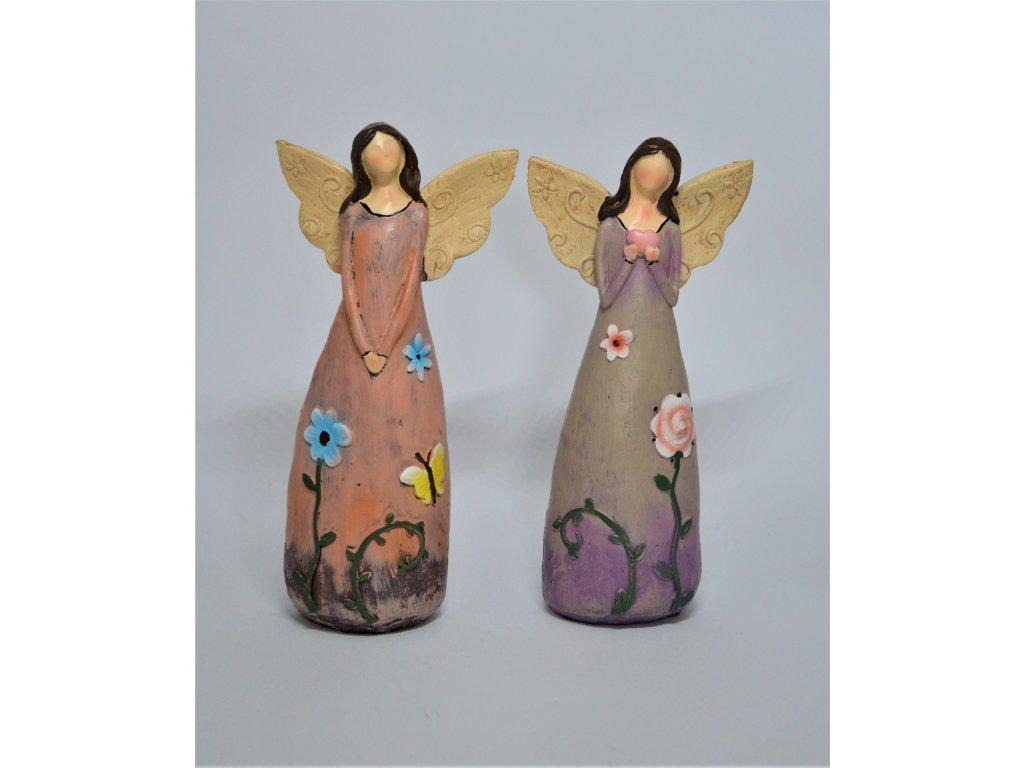 Anděl s květinovými šaty