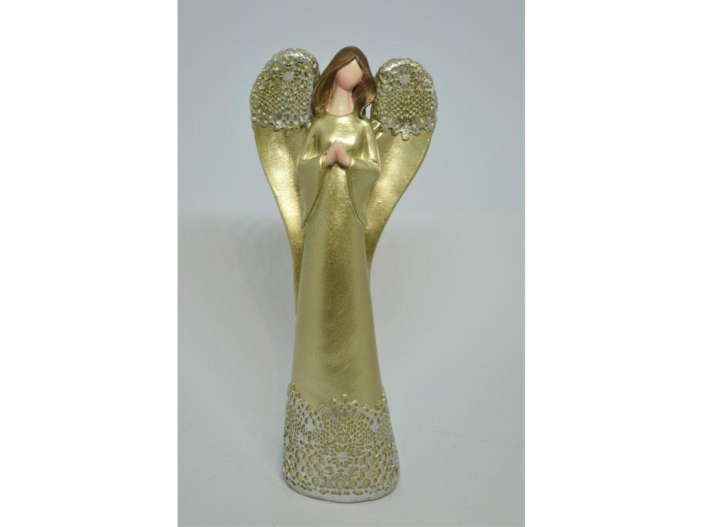 Jemný zlatý anděl