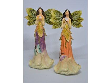 Anděl s křídly ve tvaru listů