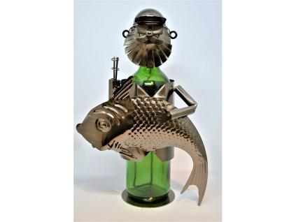 Kovový stojan na víno Rybář
