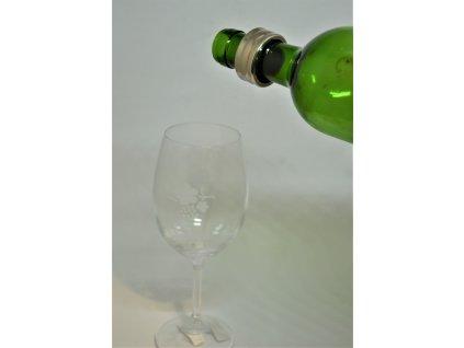Odkapávací kroužek na víno