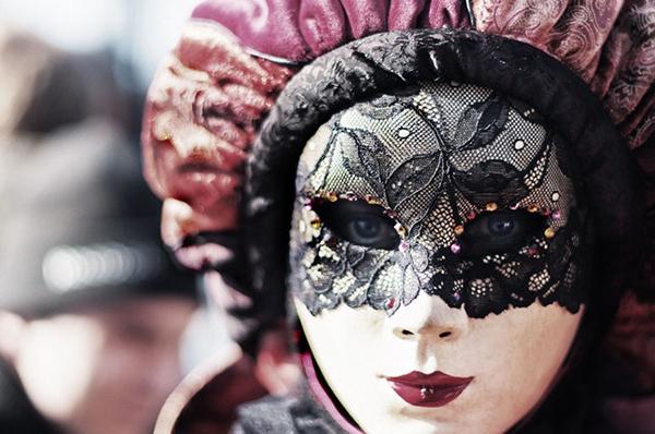 karnevalove-gelove-nehty