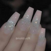 Gelové nehty s glitry
