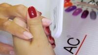 Aplikace gel laku Rocklac úprava tvaru nehtů