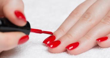 Gel-lak nebo umělé nehty ?