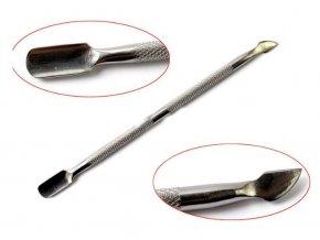 Kovový zatlačovač cuticle