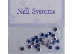 Zdobení nehtů čtverečky, tmavě modré