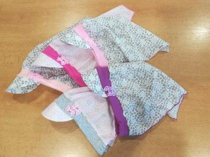 Dívčí šátek s kšiltem AJS