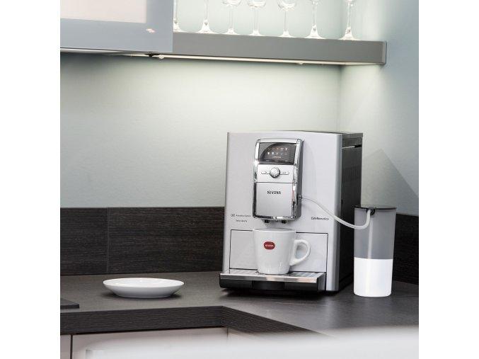 Nivona CafeRomatica NICR 842  Inovativní technologie a klasický design