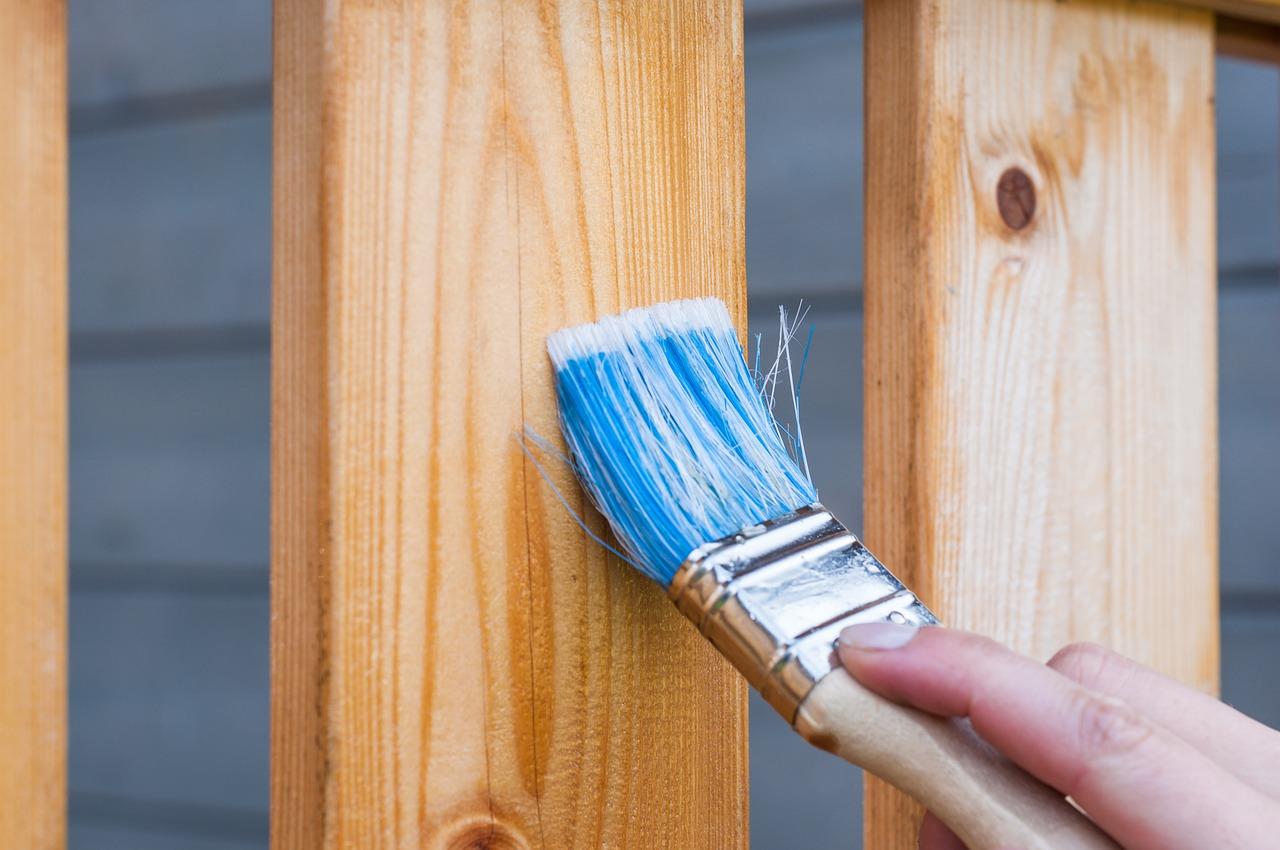 Jakou lazuru vybrat a jak postupovat při nátěru dřeva?