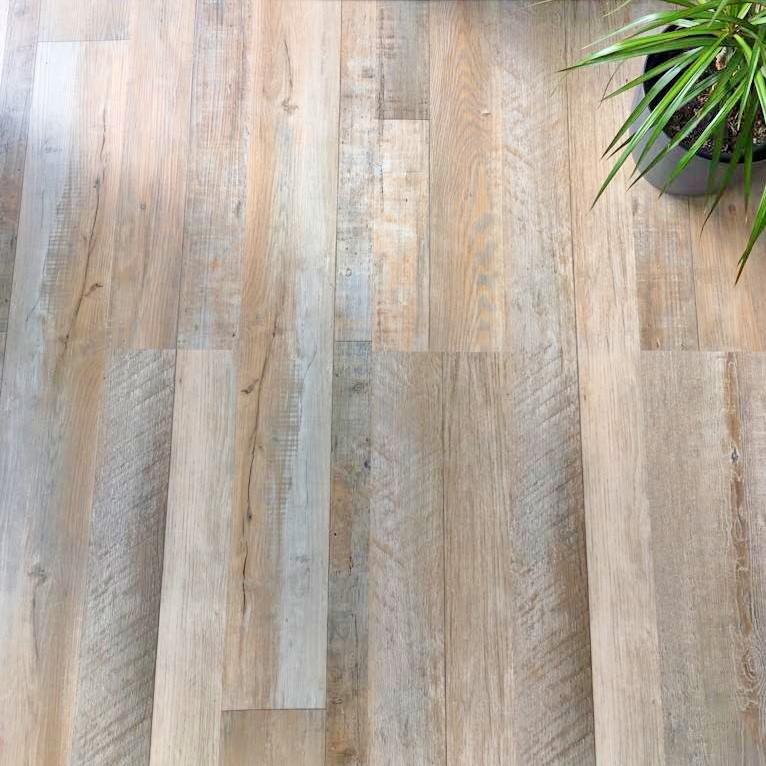 Luxusní vinylové podlahy - Jaká je ta pravá?