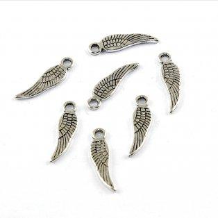Přívěsek - křídlo - stříbrné - 17 x 5 x 1 mm - 1 ks