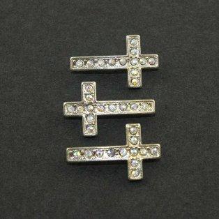 Kříž - stříbrný - AB efekt - 17 x 29 x 5 mm - 1 ks