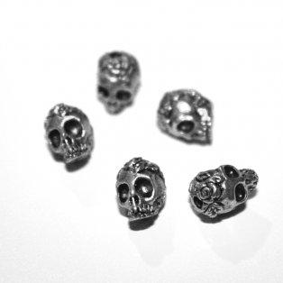 Lebka - stříbrná - 9 x 7 x 8 mm - 1 ks