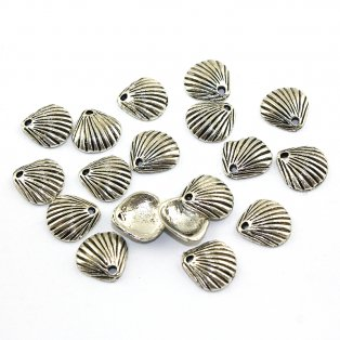 Mušle - stříbrná - 11 x 11 x 3 mm - 1 ks