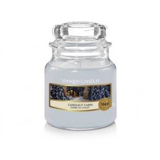 YANKEE CANDLE - CANDLELIT CABIN - vonná svíčka - classic malá - 1 ks