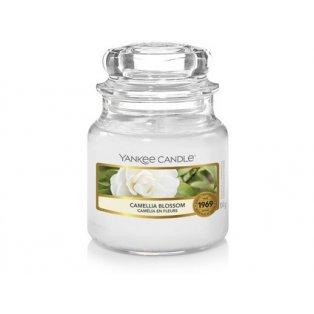 YANKEE CANDLE - CAMELLIA BLOSSOM - vonná svíčka - classic malá - 1 ks