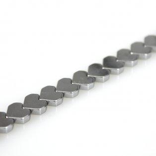 Syntetické hematitové srdce - platinové - 7 x 8 x 2 mm - 1 ks