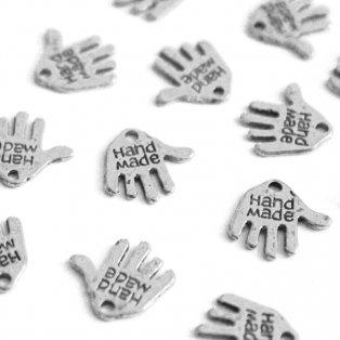 """Kovový přívěsek - stříbrný - dlaň s nápisem """"hand made"""" - 12,5 x 12 x 0,8 mm - 1 ks"""