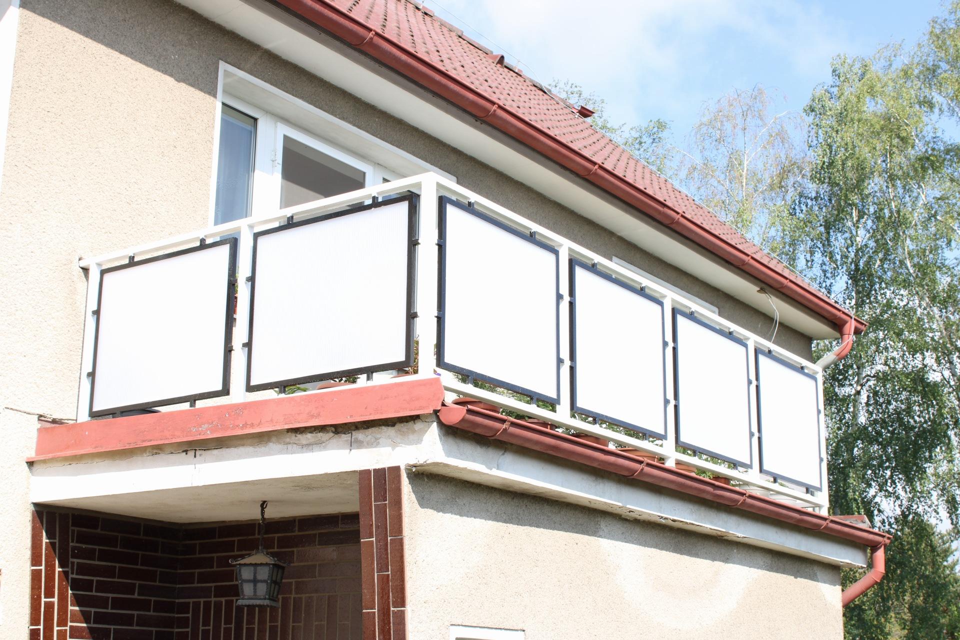 Výměna balkonových skel za polykarbonát