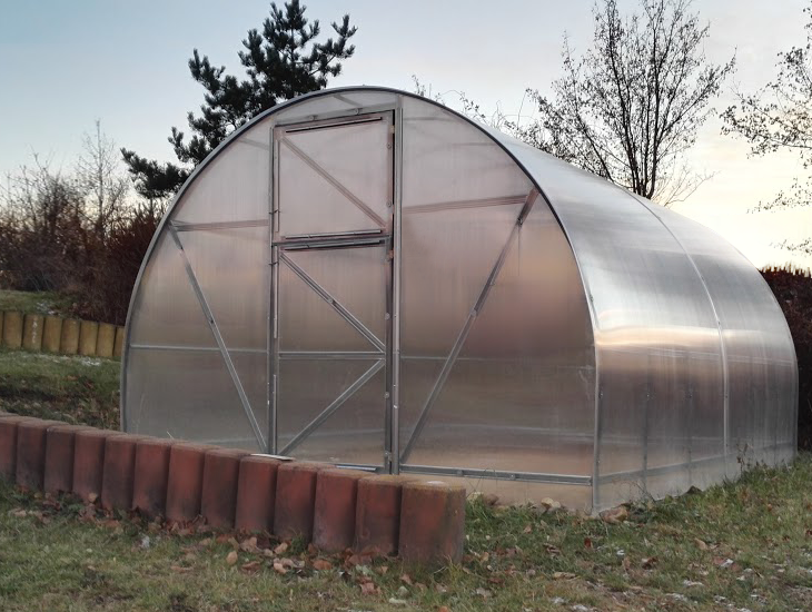 Polykarbonátový skleník ECONOM, Volya LLC Délka skleníku: 4 m