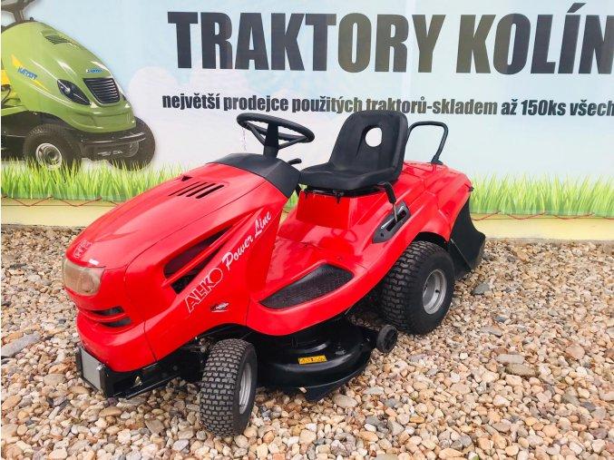 zahradní traktor al-ko 18 hp červené barvy u plachty traktory kolín