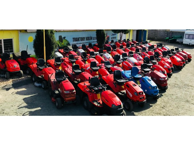 prezentace zahradních traktorů