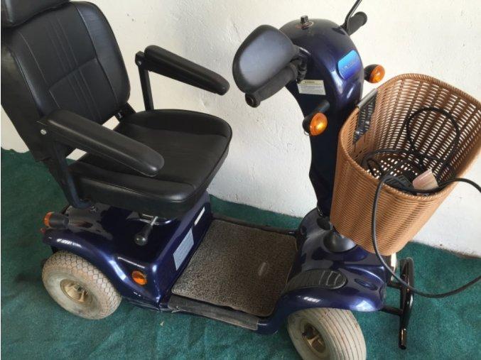 elektrický vozík modry