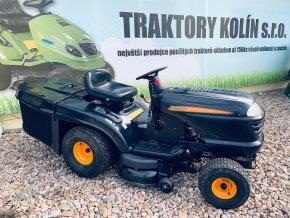 zahradní traktor husqvarna partner černé barvy před plachtou traktory kolín