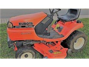 profi zahradní traktor kubota tg 1860 oranžové barvy na trávníku