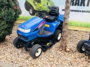 profi zahradní traktor iseki sxg 15 modré barvy před plachtou traktory kolín