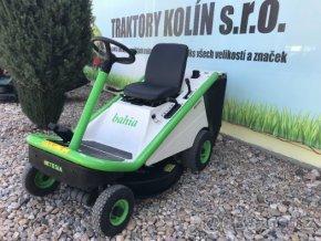 zahradní traktor rider etesia bahia zeleno-bílé barvy u plachty traktory kolín
